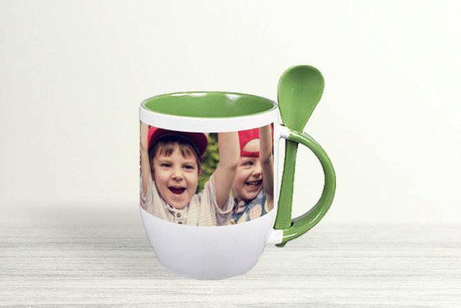 Kaffeebecher mit Löffel Design Rechts